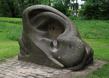 sculpture_auricle_ear_stone