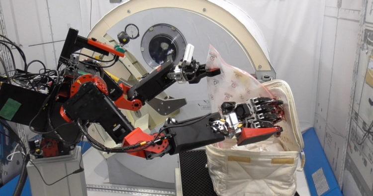 Photo of ორ წელში საერთაშორისო კოსმოსურ სადგურზე გამოჩნდება იაპონური რობოტი-ავატარები