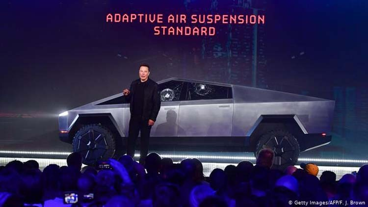 Photo of ილონ მასკი მომდევნო თვეში განახლებულ Tesla Cybertruck-ს წარადგენს