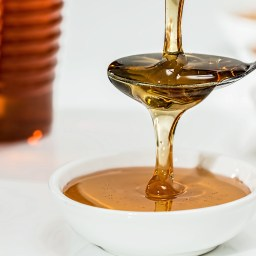 Honey Therapy Is The New Trend For Allergy Relief. But Is It Safe?