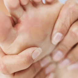 3 ways to rid yourself of aching arches in your feet