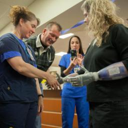 North Dallas amputee's return inspires health care workers