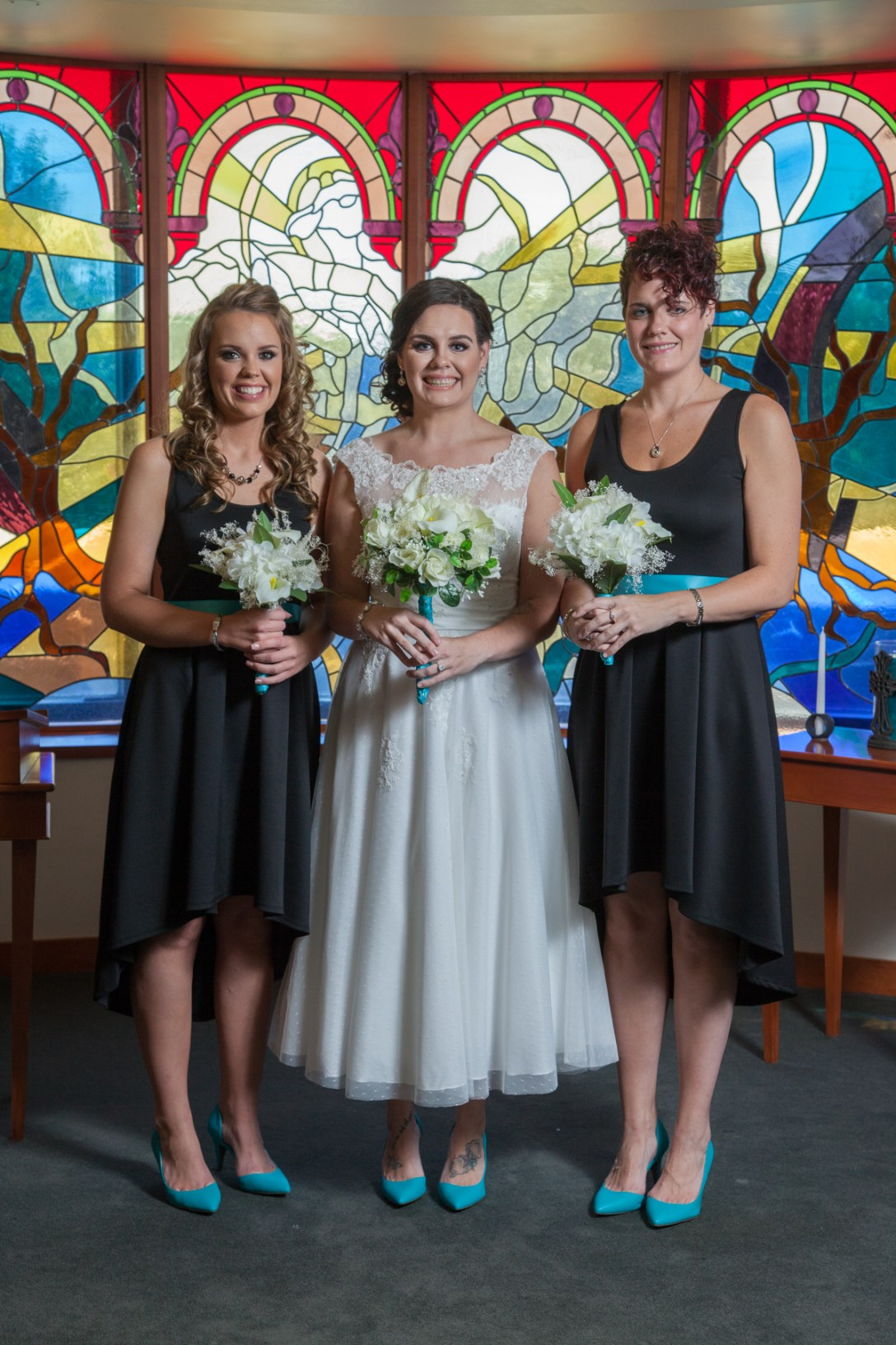 Bride with bridesmades