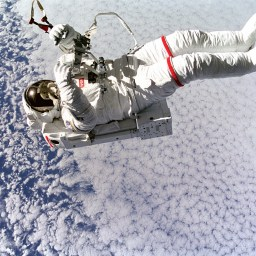 A physician trained in space medicine brings skills to wound care