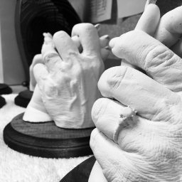 Hand castings of critically ill patients provide comfort to families