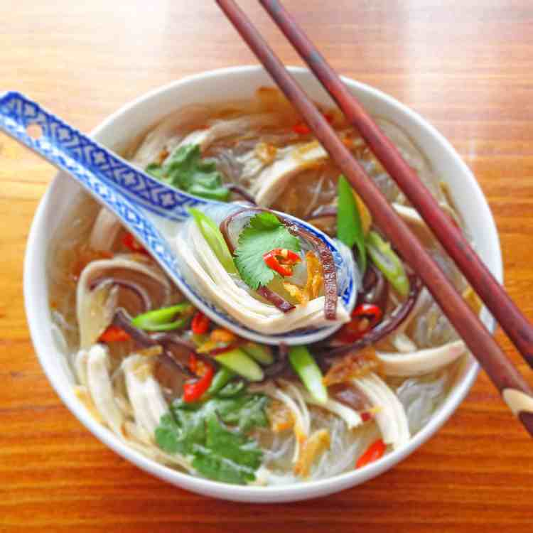 Vietnamese Chicken and Glass Noodle Soup - Mien Ga