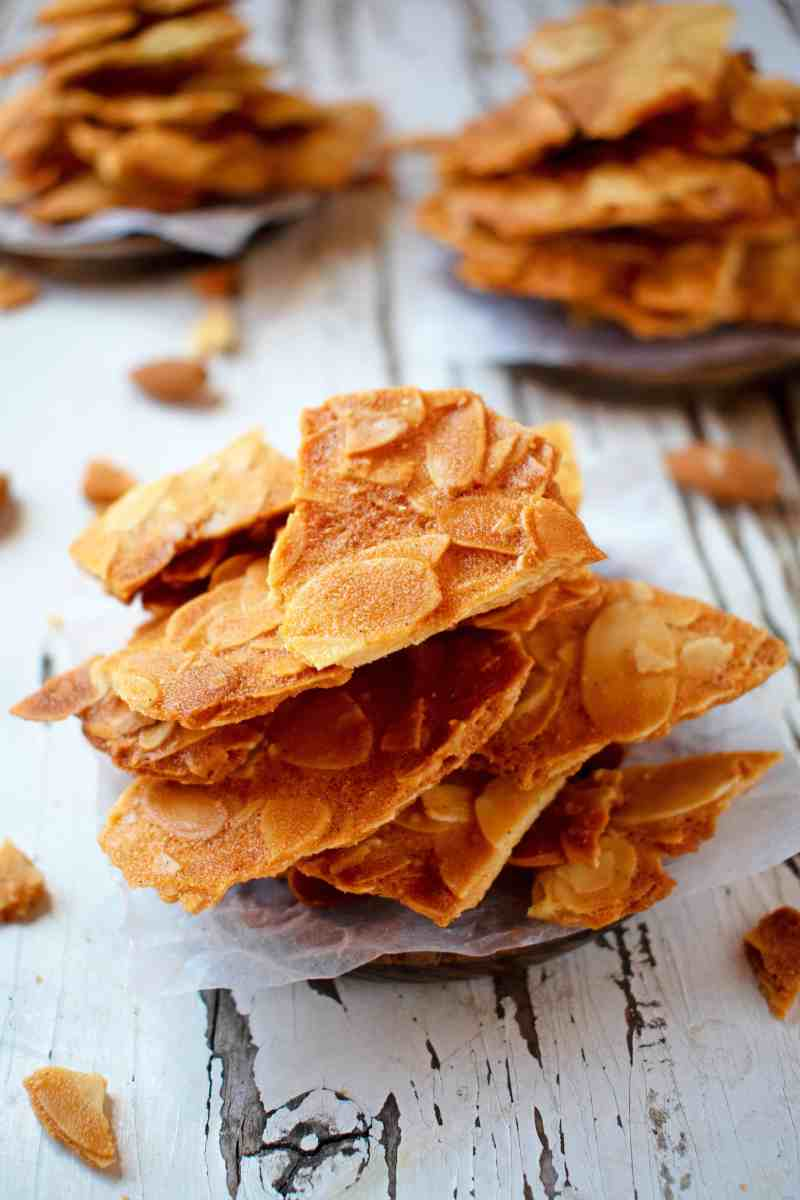 Crispy Almond Biscuits