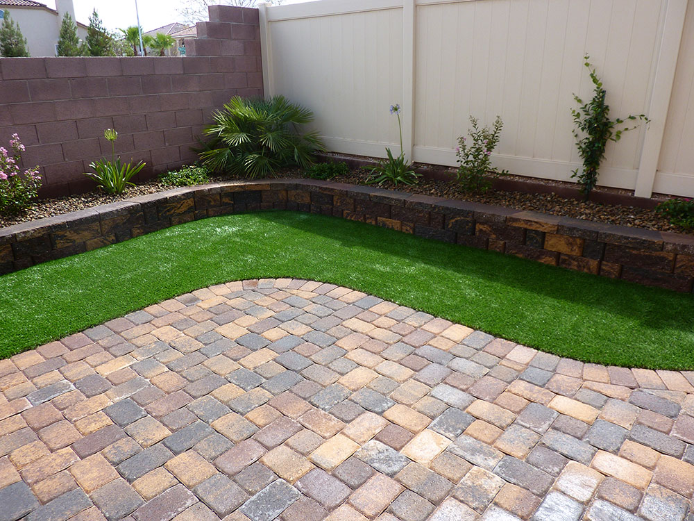 Walled in Landscaping - Coastal Greenscapes on Backyard Pavers And Grass Ideas id=80790