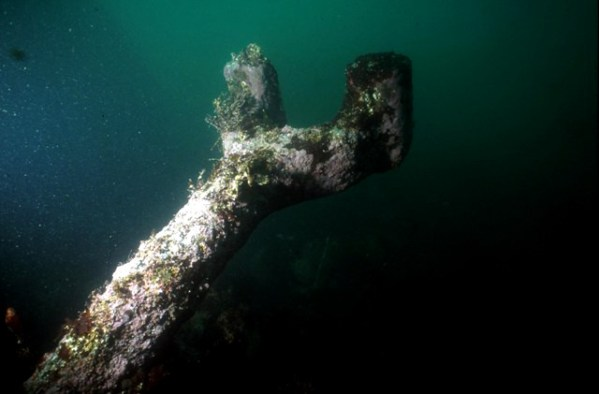 Pomona's connecting rod is still attached to the propeller shaft, although most of the steamship's other machinery was salvaged shortly after its loss in 1908. (Photo credit: California State Parks)