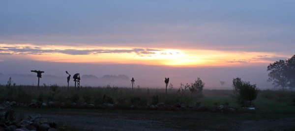 sunrise-in-sculpture-orchard