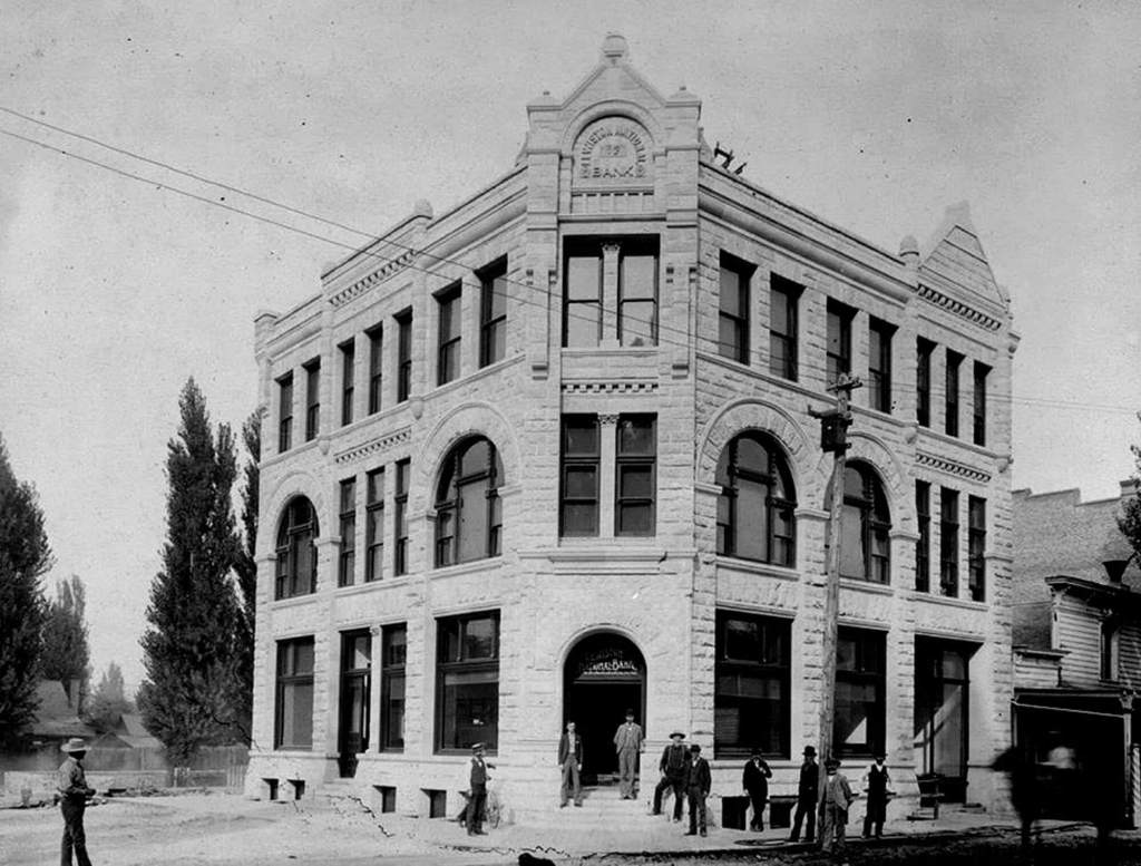 Lewiston Idaho bank that held marble sculptures by Madison Colby
