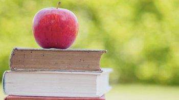 Quali libri di naturopatia possono aiutare il naturopata ad aumentare la propria conoscenza?