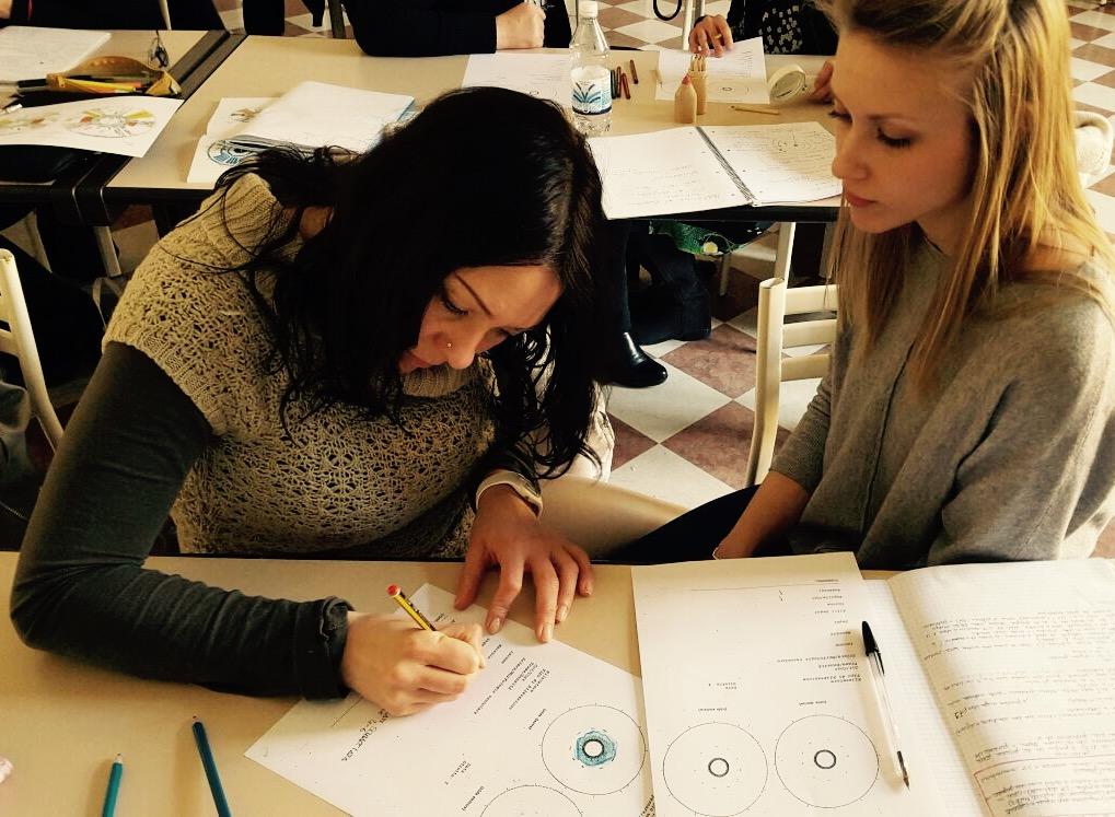studentesse del corso di iridologia LUMEN