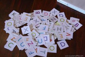Primi giochi di lettura: il cofanetto delle lettere