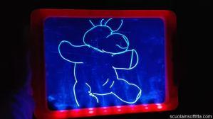 Giochiamo con la lavagna LED?
