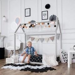 Lettino Montessori: com'è, idee fai da te, dove comprarlo