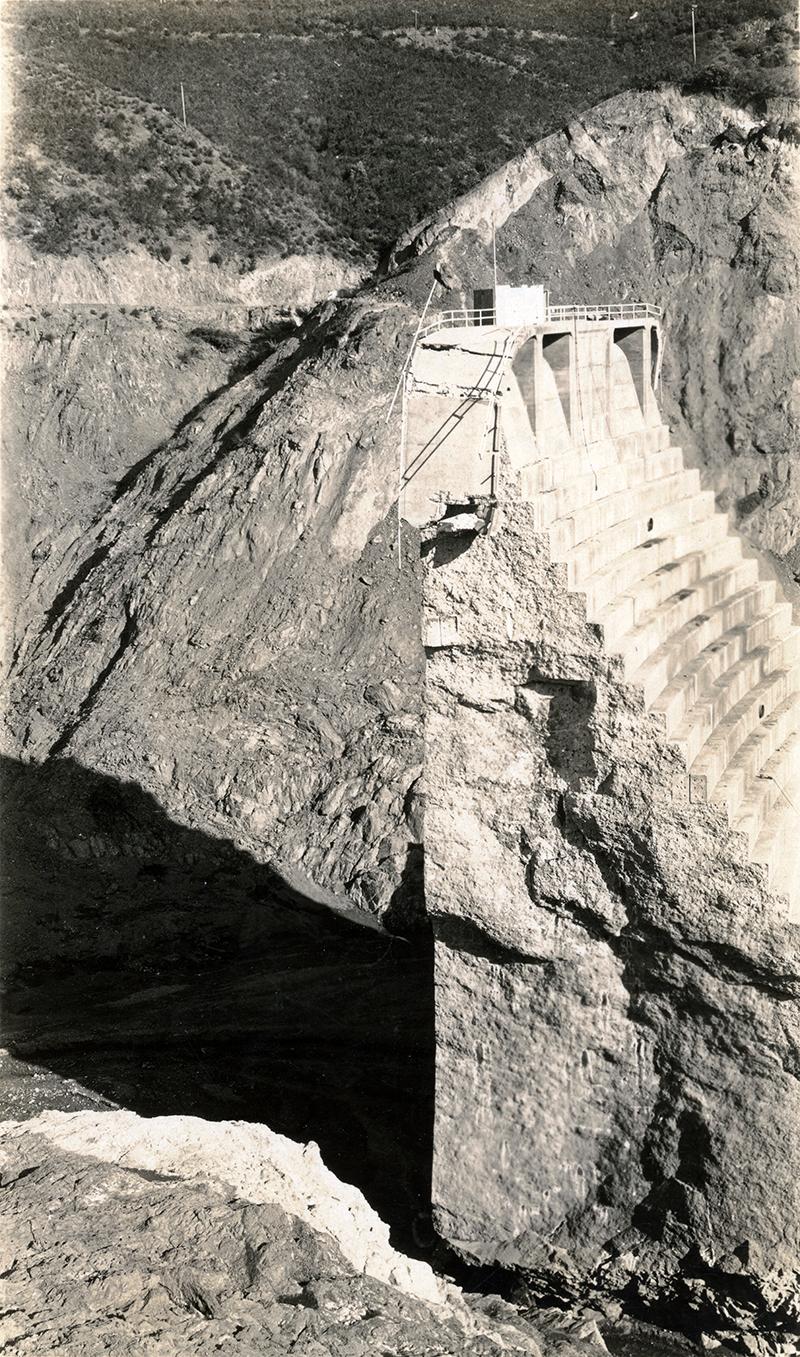 Ruins of the St. Francis Dam SAN FRANCISQUITO CANYON