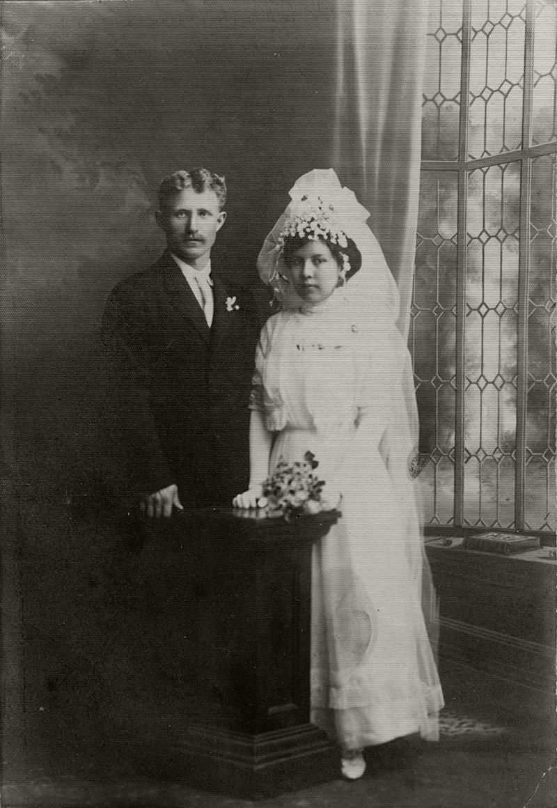 Joseph Gottardi and Frances Abalos ST. FRANCIS DAM SURVIVOR/VICTIM  Wedding portrait of Piru-area rancher Joseph Lewis Gottardi and Frances Abalos, January 13, 1912