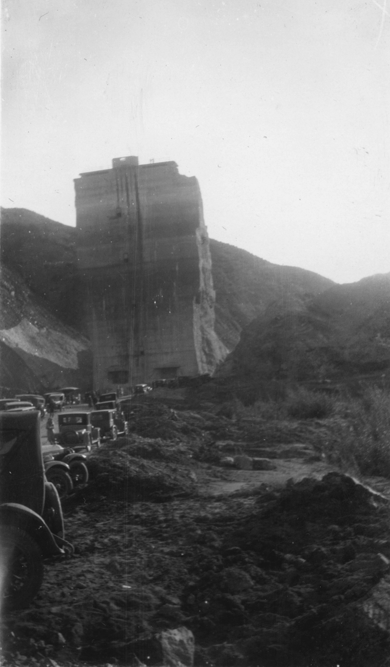 Crowds Flock to the Tombstone  ST. FRANCIS DAM