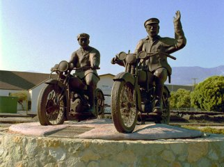 Statue honoring officers Thornton Edwards and Stanley Baker, whose warning saved lives in Santa Paula during the St. Francis Dam disaster.