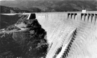 The St. Francis Dam in better days. It was up San Francisquito Canyon Road, 7 miles north of today's Copper Hill Drive.