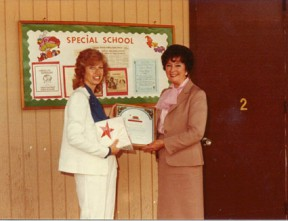Liz-Seipel-accepts-award-for-St