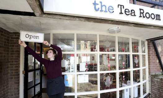 Pubs, hairdressers set to reopen as UK eases virus lockdown