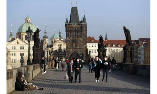 Czechs impose the tightest lockdown amid UK variant surge