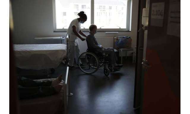 French hospitals boost Easter staff to battle virus resurge