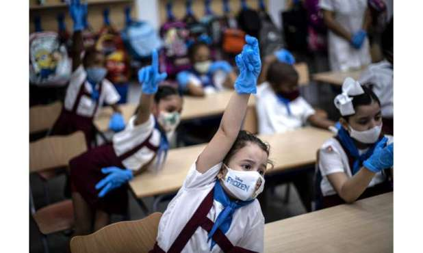 Global death toll from COVID-19 tops 2M amid vaccine rollout