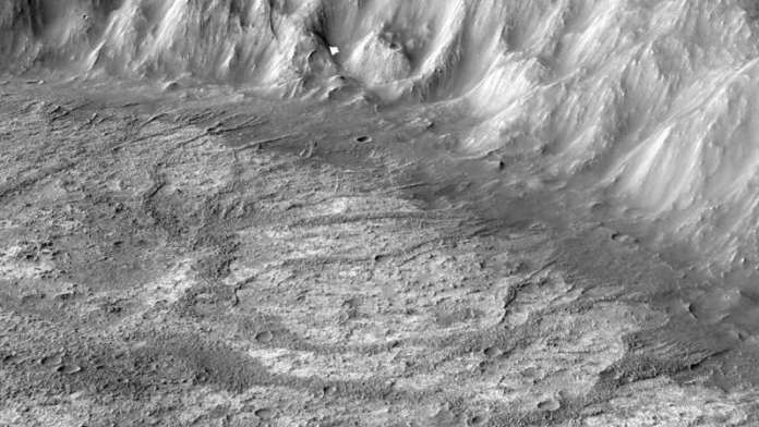 Researchers discover new type of ancient crater lake on Mars