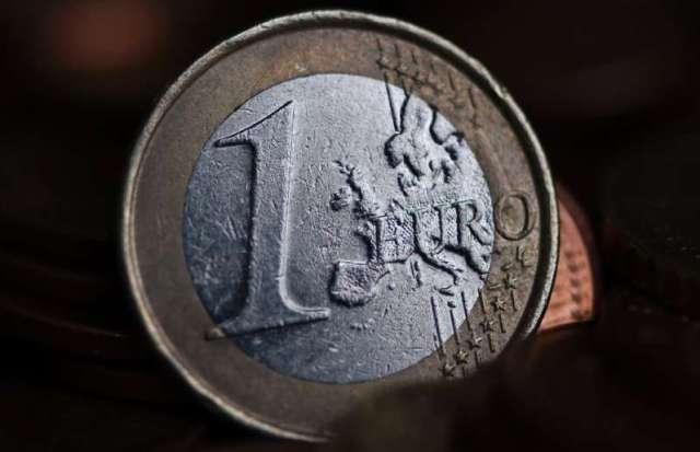 Un euro virtuel devrait arriver d'ici cinq ans, mais les pièces et billets physiques resteront