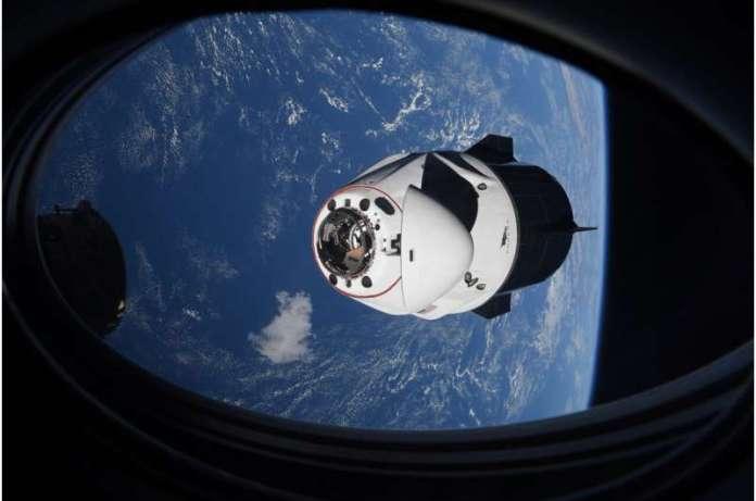 गलत अलार्म: स्पेसएक्स चालक दल के लिए सभी के बाद कोई अंतरिक्ष रद्दी खतरा नहीं