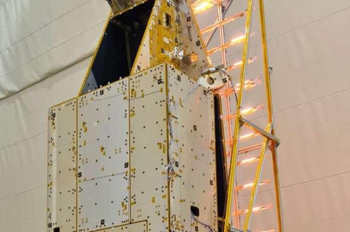 वन मापने वाला उपग्रह उड़ान रंगों के साथ परीक्षण पास करता है