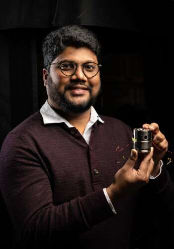 Under pressure, 'squishy' compound reacts in remarkable ways