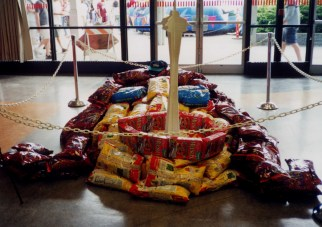 Canstruction (2001)