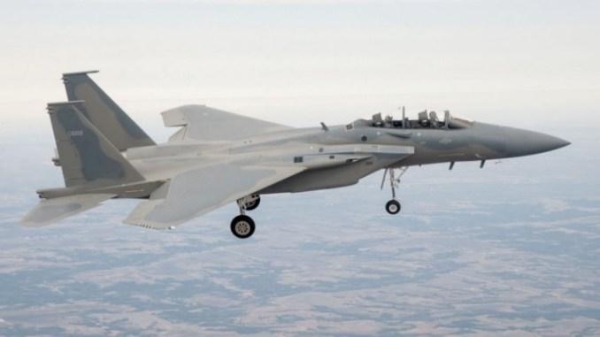 مقاتلة F-15SA أثناء رحلتها التجريبية في 2013