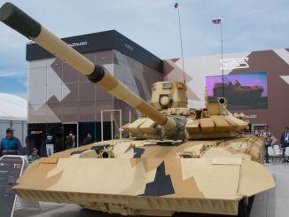 دبابة من طراز تي 72