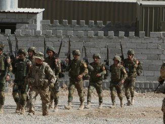 """عسكريون ألمان يدربون مقاتلين من """"البيشمركة"""" الكردية"""