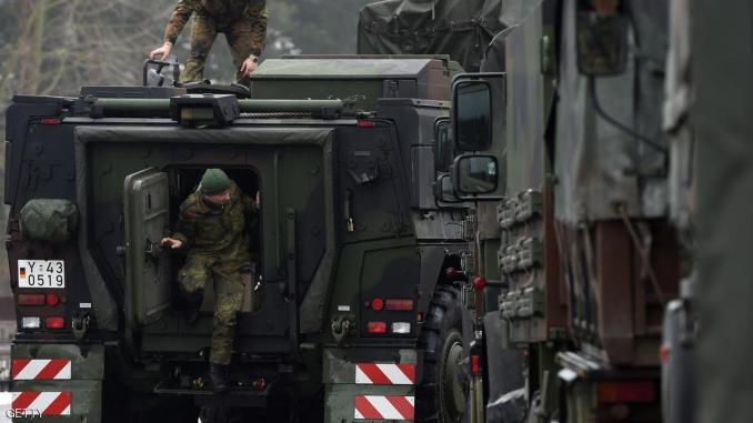 جنود الناتو قرب الحدود الروسية