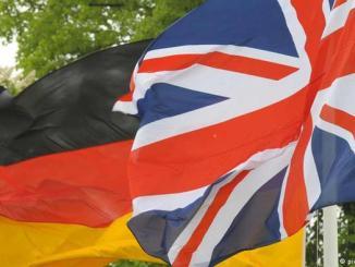 علما بريطانيا وألمانيا