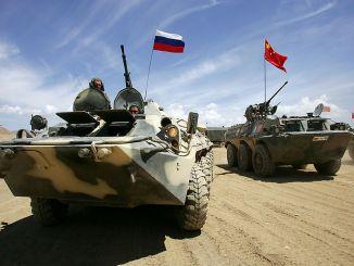 دبابتان صينية وروسية