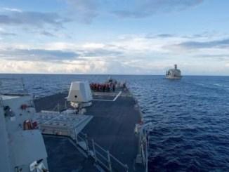 سفينة ديوي الأميركية في بحر الصين الجنوبي