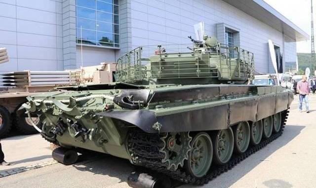 """نموذج """"سكارابيه"""" لدبابة """"تي - 72"""""""