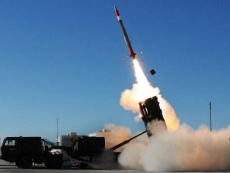 إطلاق صاروخ الباتريوت باك-3