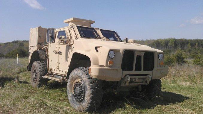 آلية عسكرية من نوع JLTV من شركة أوشكوش