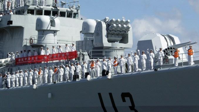 عناصر من البحرية الصينية