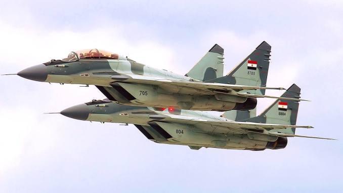 """مقاتلتا """"ميغ"""" بالتمويه الرسمي النهائي (بوابة الدفاع المصرية)"""