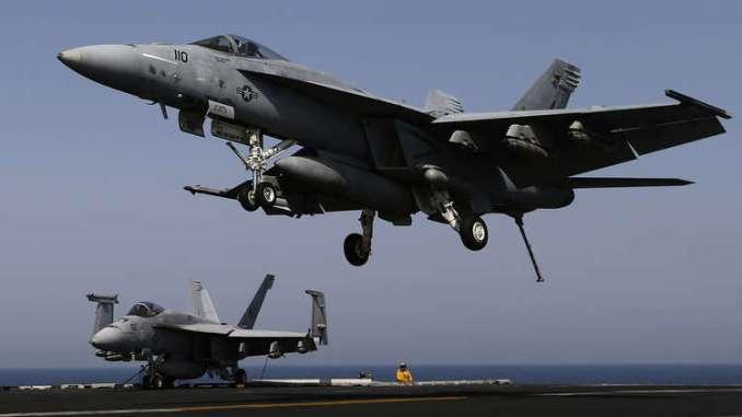 """مقاتلات """"F/A-18"""""""