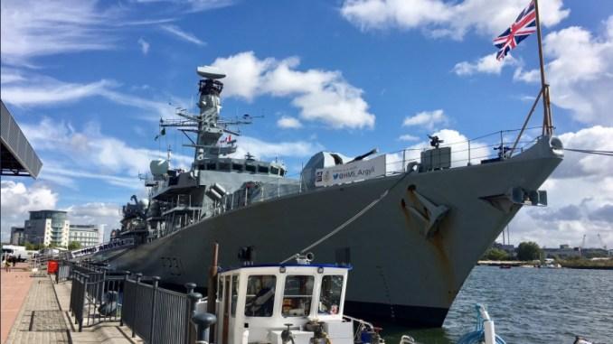 سفينة HMS Argyll تابعة للبحرية البريطانية في معرض DSEI 2017